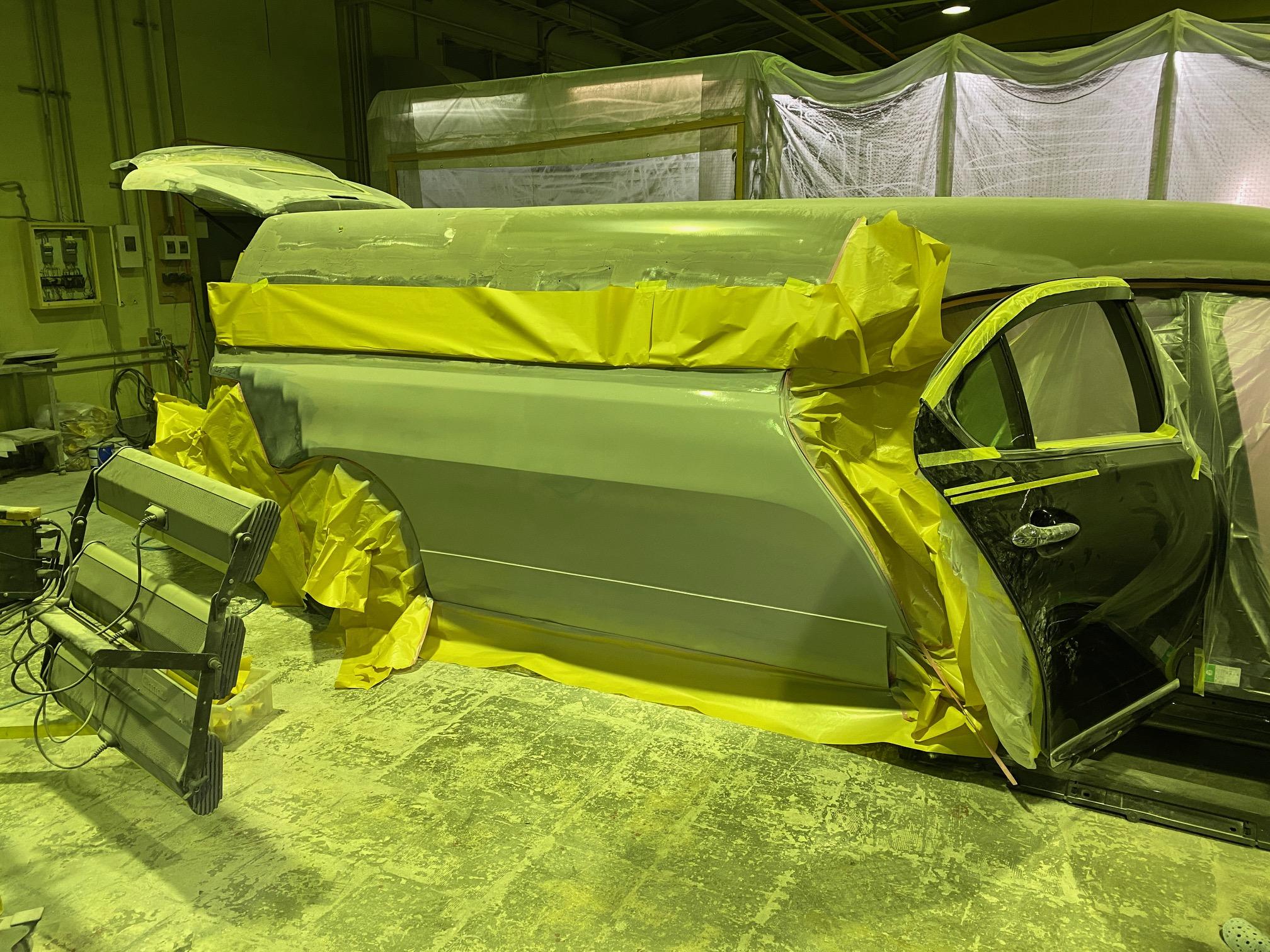 霊柩車の製造