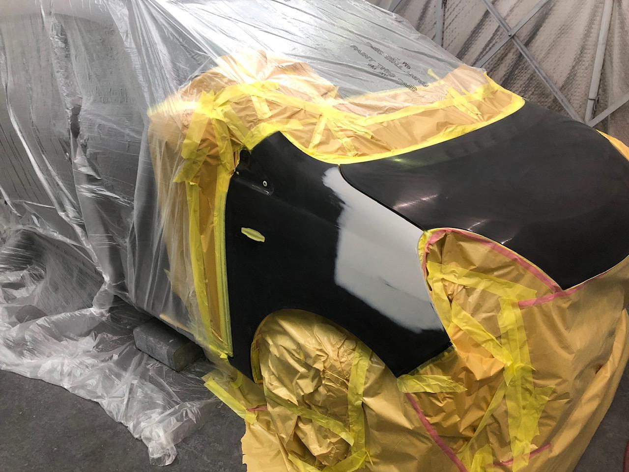 ダイハツ ミラの鈑金塗装修理中です