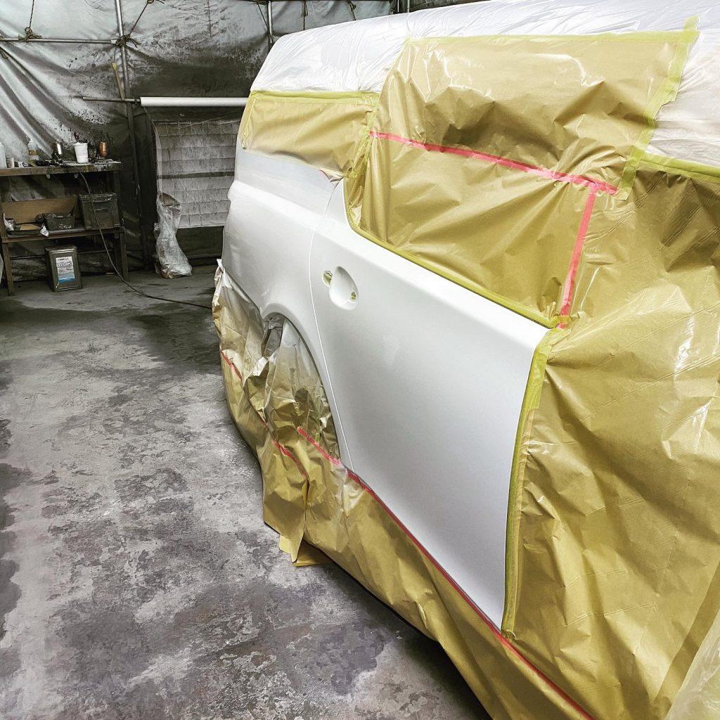 霊柩車の塗装