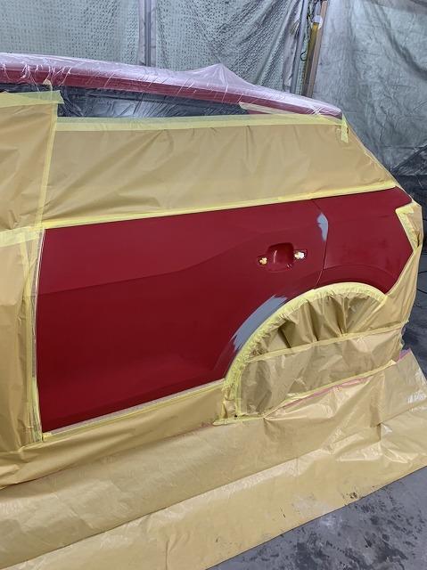 アウディーQ2 キズ塗装修理
